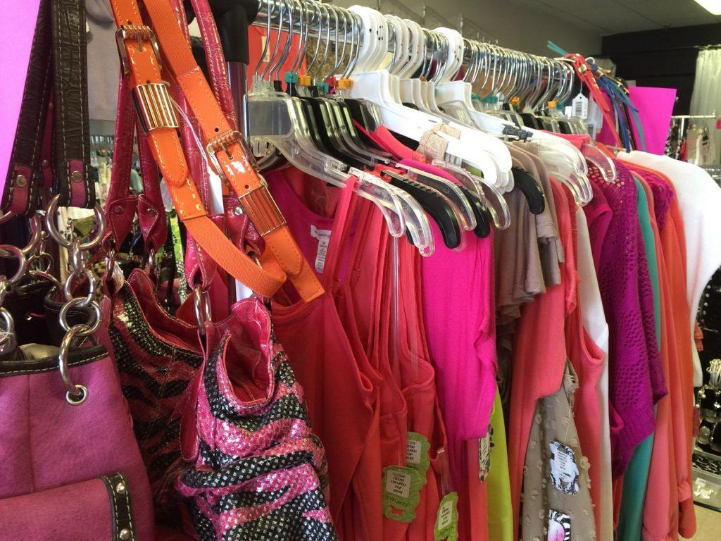 clothing-1045960_1280