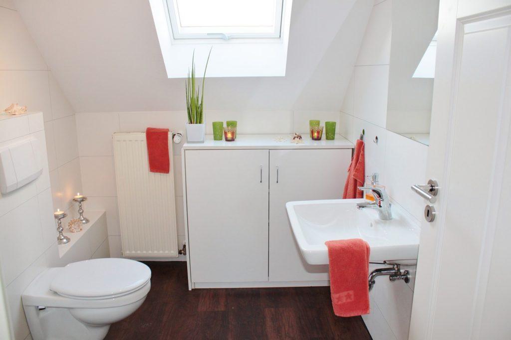 bathroom-1228427_1280