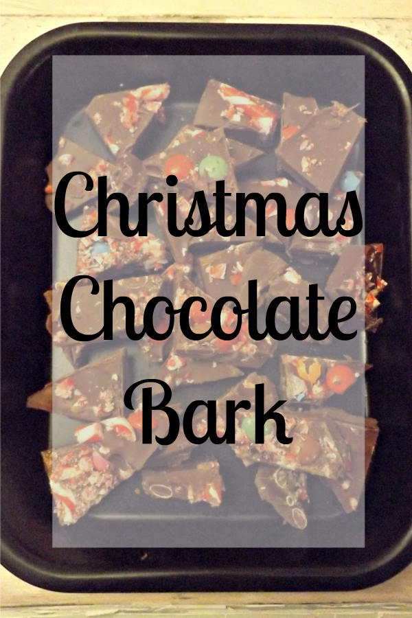 Christmas Chocolate Bark | www.coffeecakekids.com