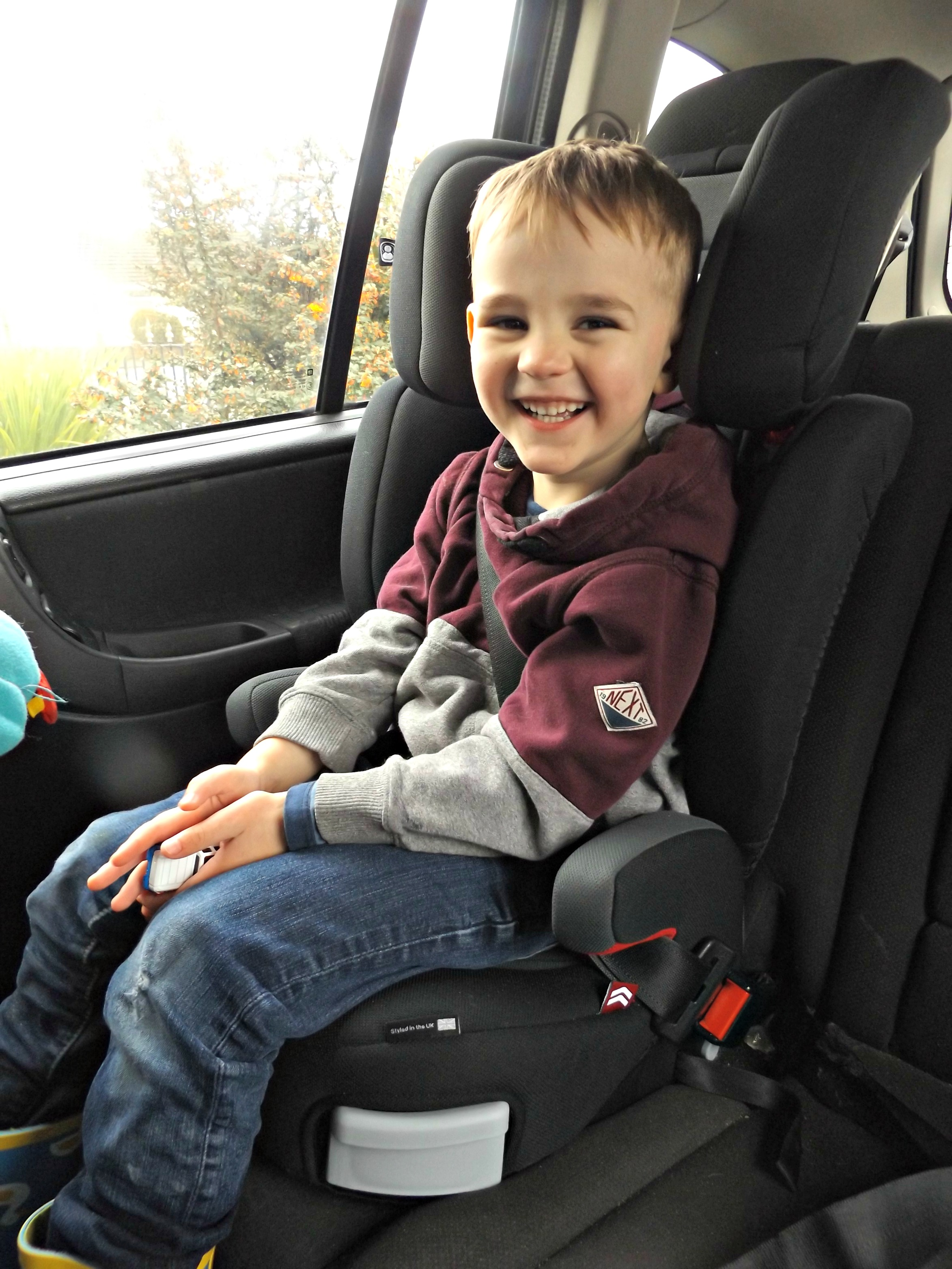 Joie Trillo Group 2/3 Car Seat | Review - Coffee, Cake, Kids