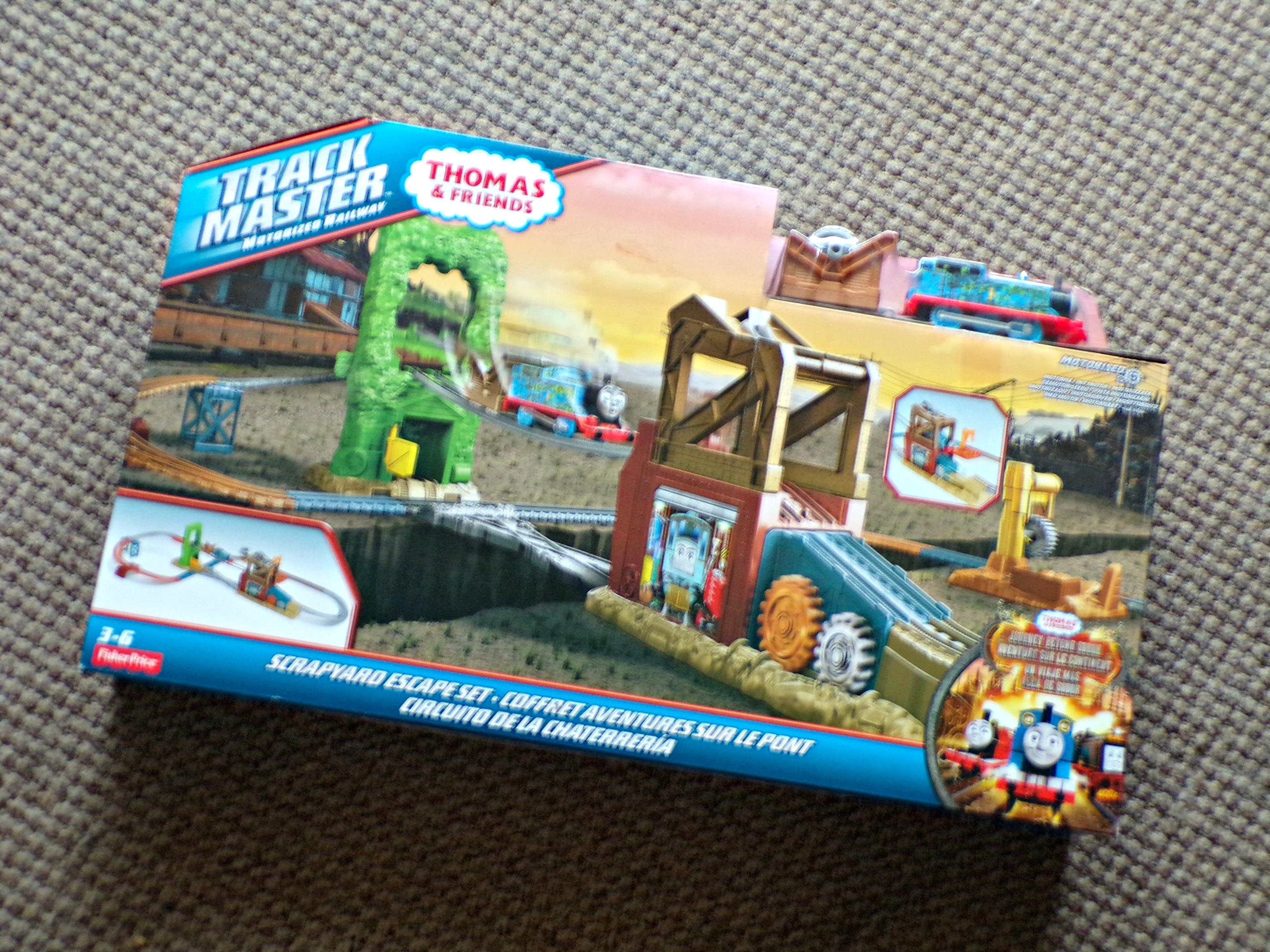 Thomas & Friends TraAckmaster Scrapyard Escape
