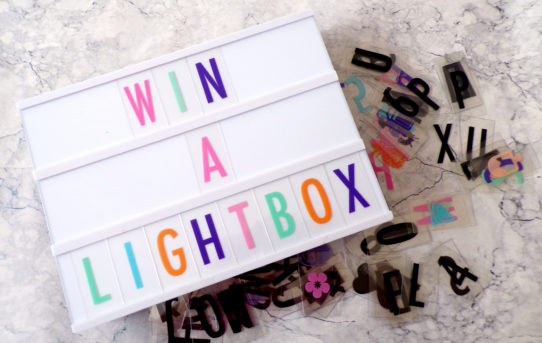Win-a-lightbox-from-Gingersnap