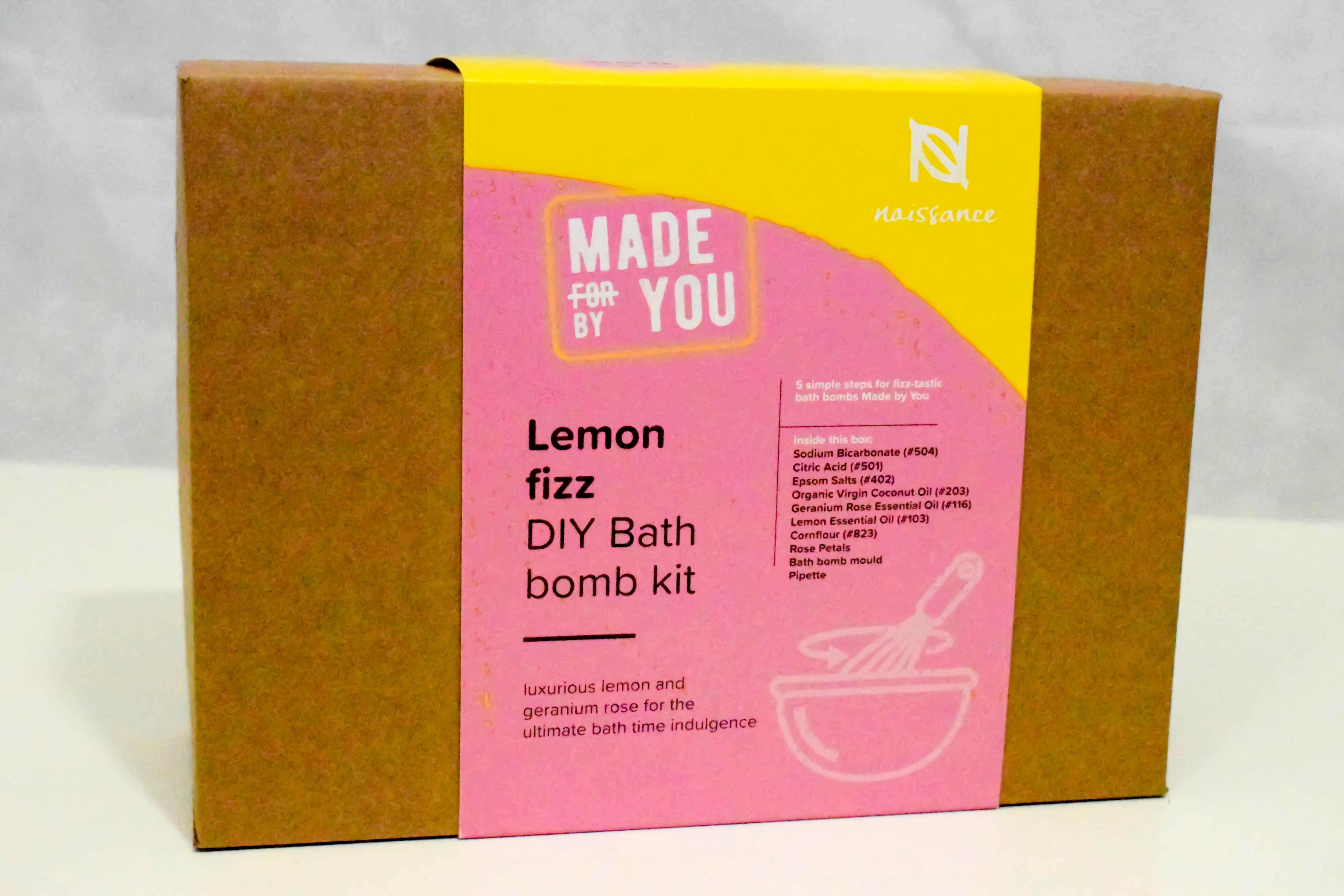 Make your own lemon fizz bath bomb kit