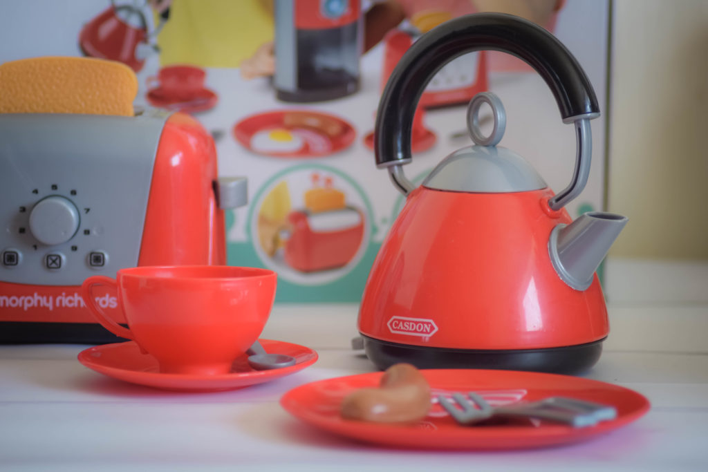 Casdon Morphy Richards kitchen set